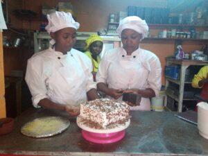 CFG bietet jungen Frauen Ausbildungsplätze in der Bäckerei